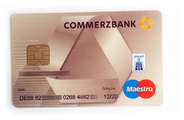 Vorderseite einer Hybridkarte (Bankkarte der Commerzbank)